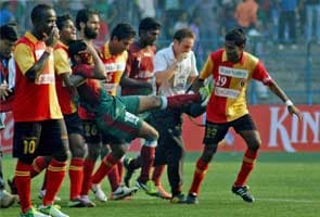 Violence at Mohun Bagan-East Bengal derby, match cancelled