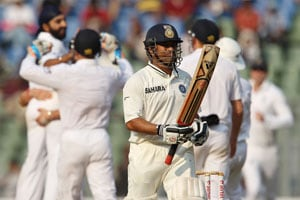 Gavaskar lauds England spinners for success at Wankhede