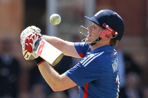 Steve Finn puts his faith in 'wizard' Eoin Morgan