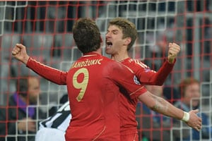 Bayern Munich go ten points clear with win at Borussia Moenchengladbach