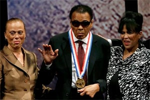 Muhammad Ali receives Liberty Medal in Philadelphia