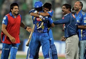 Mumbai Indians clinch a cliffhanger