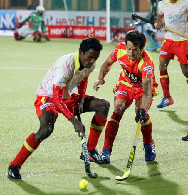 Hockey India League: Ranchi Rhinos held to a 1-1 draw by Mumbai Magicians