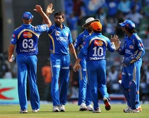 Mumbai beat Pune on last ball