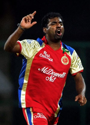IPL 6: Muttiah Muralitharan joins Royal Challengers Bangalore camp