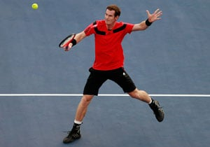 US Open: Andy Murray overcomes frustrations and Leonardo Mayer to reach 3rd round