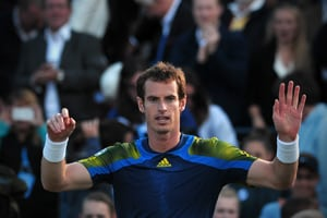Andy Murray downs Becker to make Queen