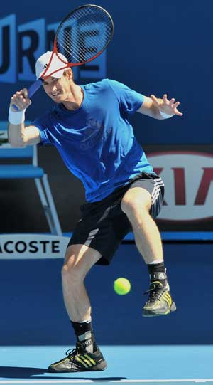 Muscly Andy Murray likes tight shirt, not short shorts