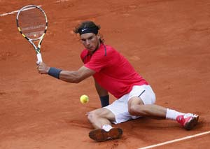 Rafael Nadal rises to world number one, Roger Federer drops