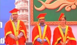 London medallists conferred doctorate by a UP University
