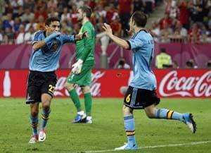 Euro 2012: Jesus Navas rescues Spain, Croatia bow out