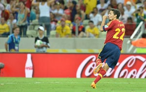 Jesus Navas' last-gasp goal helps Spain salvage draw against Chile in friendly