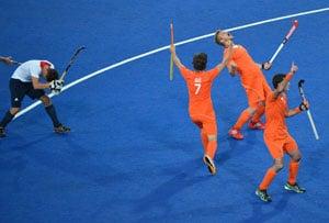 London 2012 Hockey: Netherlands crush Britain 9-2 to make final