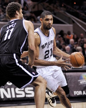 Vice-like San Antonio Spurs crush Brooklyn Nets 104-73