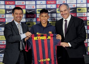 Barcelona's Neymar to decide between wearing No.11 or No.7