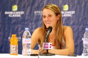 Nicole Gibbs to meet Serena Williams at Bank of the West Classic