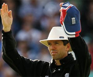 Nigel Llong joins Elite Panel of umpires