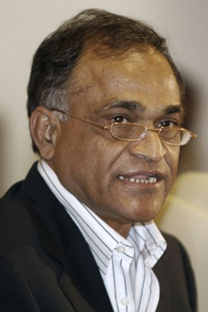 Niranjan Shah terms spot-fixing saga disgraceful, stops short of demanding Srinivasan's resignation