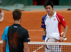 Kei Nishikori marches on at French Open