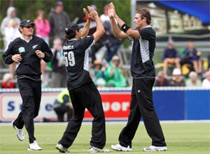 Nicol century sets up overwhelming New Zealand win