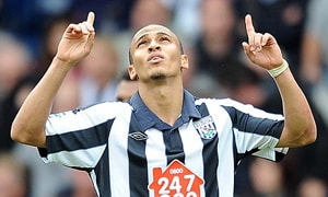 Odemwingie relieved he stayed at Albion