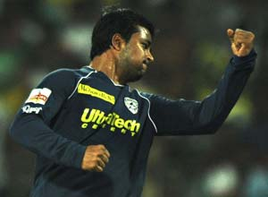Ojha moves to Mumbai Indians from Deccan Chargers