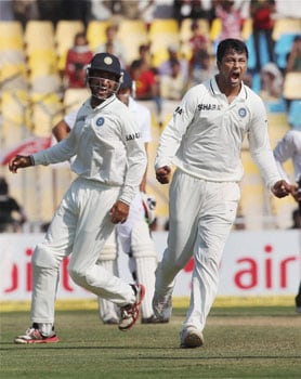 Cheteshwar Pujara, Pragyan Ojha power India to 9-wicket win over England