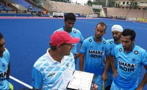 Roelant Oltmans, Terry Walsh coaching in Hockey India League unethical: Sports Authority of India