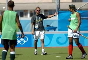 India hires Dutch coach to revive hockey fortunes