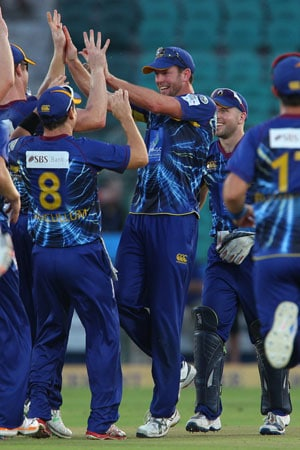 CLT20: Otago Volts' crushing win over Perth Scorchers, as it happened