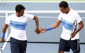 Paes-Bhupathi storm into Cincinnati final
