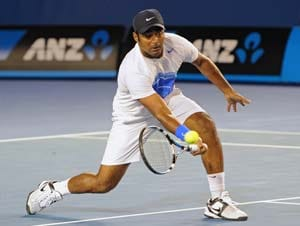Leander Paes-Daniel Nestor ousted from China Open; Somdev Devvarman wins in Shanghai