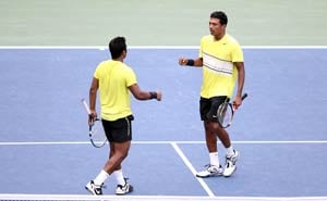 Paes-Bhupathi combine to bring down Somdev-Treat
