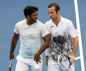 US Open: Leander Paes and Stepanek enter men's doubles semifinals