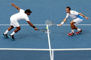 Leander Paes-Radek Stepanek lose in Japan Open final