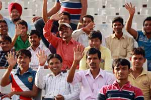 CLT20: For a change, Indian fans cheer Pakistan's T20 team