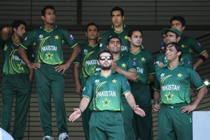 Afridi fiver sees off potential upset