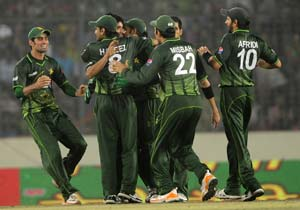 Pakistan regain Asia Cup title after 2-run win over Bangladesh