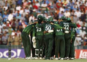 Bangladesh assess Pakistan security for tour