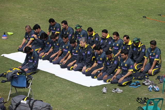 Asia Cup: Pakistan aim to start title defence with a win over Sri Lanka