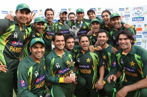 3rd ODI: Misbah-ul-Haq leads Pakistan to series victory vs Zimbabwe