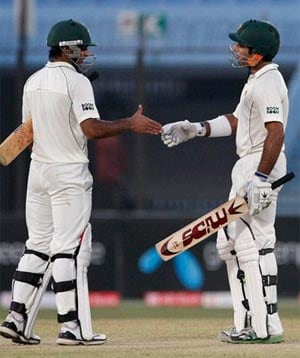 1st Test: Pakistan dominate Bangladesh on Day 1