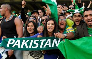 From clubs to the streets, Pakistan gets ready for clash versus India