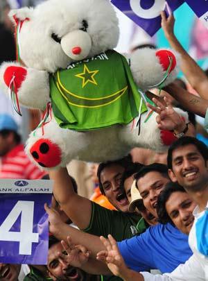 Pakistan to build new stadiums to revive international cricket