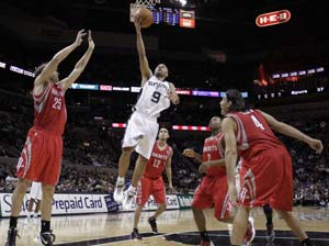 Duncan and Parker lead Spurs over Rockets