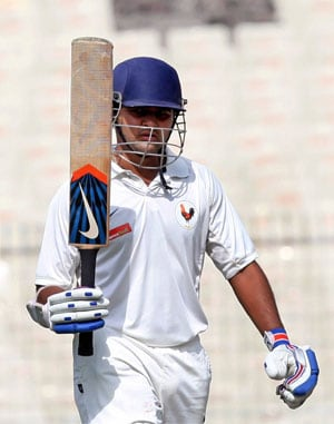 Gujarat take 67-run first innings lead over Karnataka