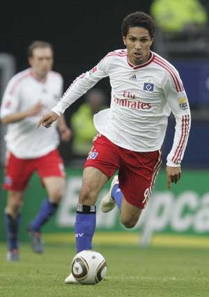 Hamburg striker Paolo Guerrero gets 8-match ban