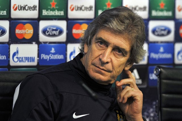 Manuel Pellegrini apologises for referee outburst
