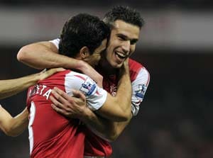 Van Persie reunion as Arsenal returns to United