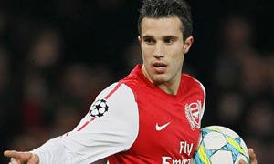 Robin Van Persie turns down new Arsenal deal